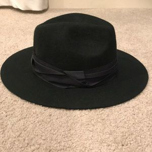 Universal Thread Hat